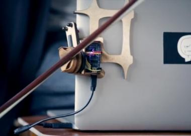 როგორ ვაქციოთ ლეპტოპი ვიოლინოდ: კოკა ნიკოლაძის ინსტრუმენტული ექსპერიმენტები