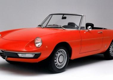 დღის ობიექტი | Alfa Romeo Duetto Spider