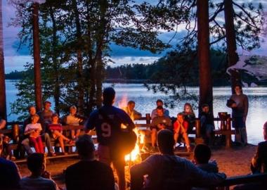 ფასიანი და უფასო საზაფხულო ბანაკები მოზარდებისთვის