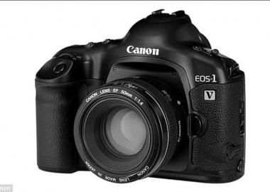 Canon-მა და Leica-მ ფირის ფოტოგრაფიის ეპოქა დაასრულეს