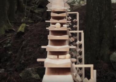 ტყეში ბახის მელოდიას გიგანტური იაპონური ქსილოფონი მოგასმენინებთ