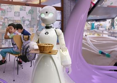 იაპონურმა კაფემ პარალიზებული ადამიანები რობოტების საშუალებით დაასაქმა