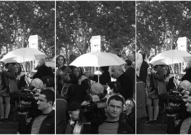 გამოსამშვიდობებელი ქოლგა ქაშუეთთან - მიშა კობახიძის დაკრძალვა - დღის ფოტო