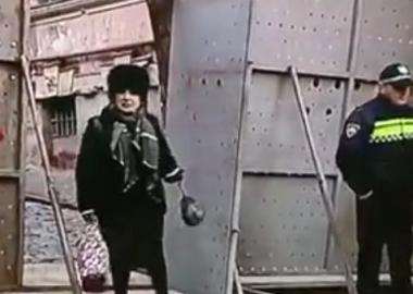 """დეიდა """"თბილისის კედლის"""" მეორე მხრიდან - დღის ვიდეო და Coub-ები"""