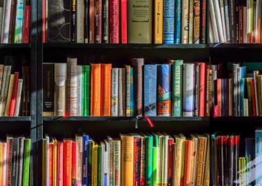 თუკი იმაზე მეტ წიგნს ფლობ, ვიდრე წაკითხვა შეგიძლია