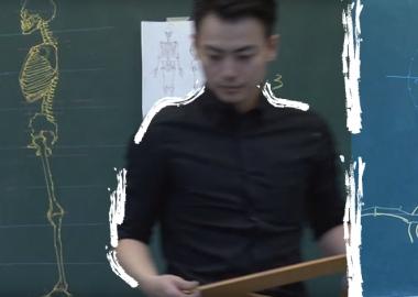 ტაივანელი მასწავლებელი, რომელსაც ცარცით ხატვის საოცარი ნიჭი აქვს