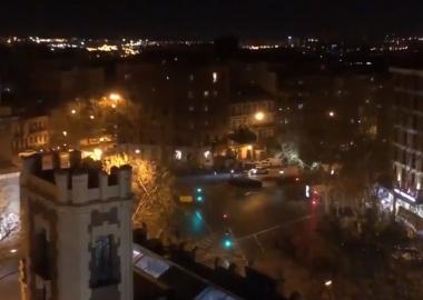 ფანჯრებიდან გადმომდგარმა მთელმა ესპანეთმა ქვეყნის ექიმებს ტაში დაუკრა