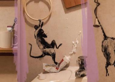 ბენკსიმ კარანტინში ყოფნისას საკუთარი სააბაზანო ხელოვნების ინსტალაციად გადააქცია