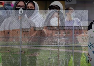 აშშ-ის ოთხ ციხეში 3300 პატიმარს კორონავირუსი დაუდასტურდა, მათგან 96%-ს სიმპტომები არ აღენიშნებოდა