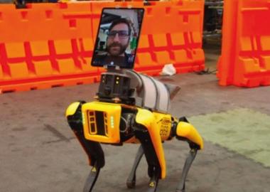 ზოგიერთ საავადმყოფოში, რობოტები კორონავირუსის პანდემიის პირობებში მედპერსონალს ანაცვლებენ
