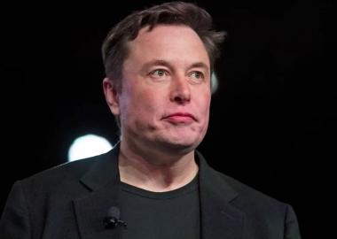 ილონ მასკი მატერიალიზმის წინააღმდეგ: Tesla-ს დამფუძნებელი ფიზიკურ ქონებას ყიდის