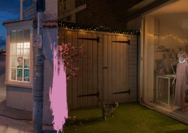 ფოტოგრაფი, რომელიც უცხო ადამიანებს თვითიზოლაციის პირობებში ფანჯრიდან იღებდა
