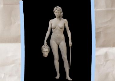 ო-ლა-ლა ყალბი ფემინიზმი სასამართლოს წინ დადგმული შიშველი მედუზას ქანდაკების გარშემო