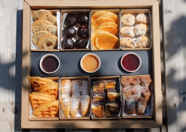 საჭმელი ბოქსები გამოძახებით-სნეკები,დესერტი და სხვა კრეატიული შეთავაზებები