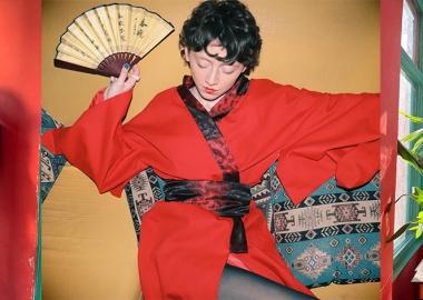 სამოსი, იაპონური და ჩინური ტრადიციული დეტალებით, უკვე საქართველოში იქმნება.